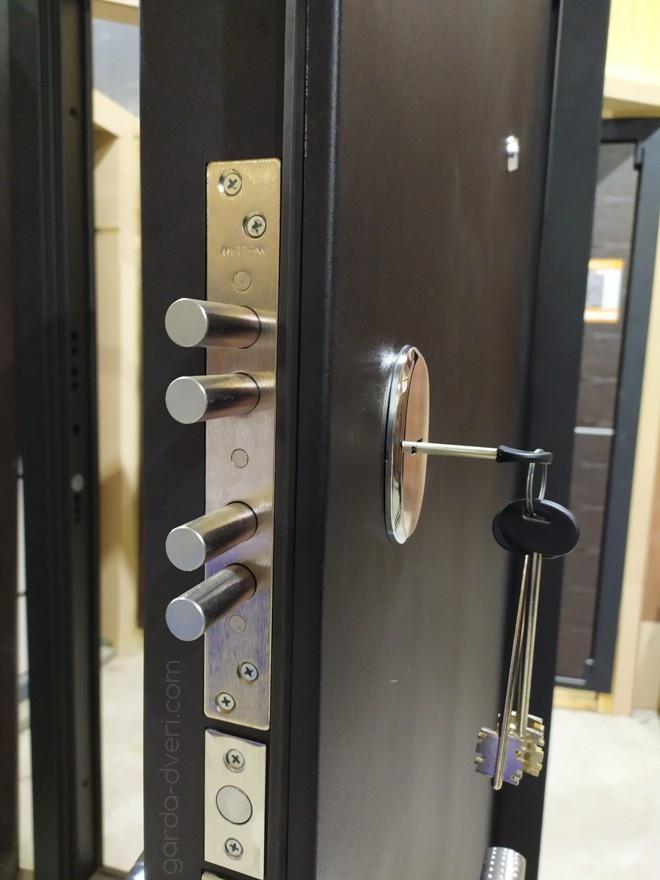 дверь Гарда S1 Черный шелк, сувальдный замок Меттем