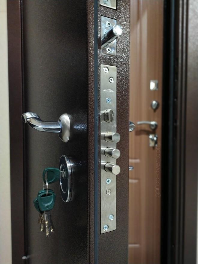 дверь Гарда S1 антик-медь замок цилиндровый Меттем