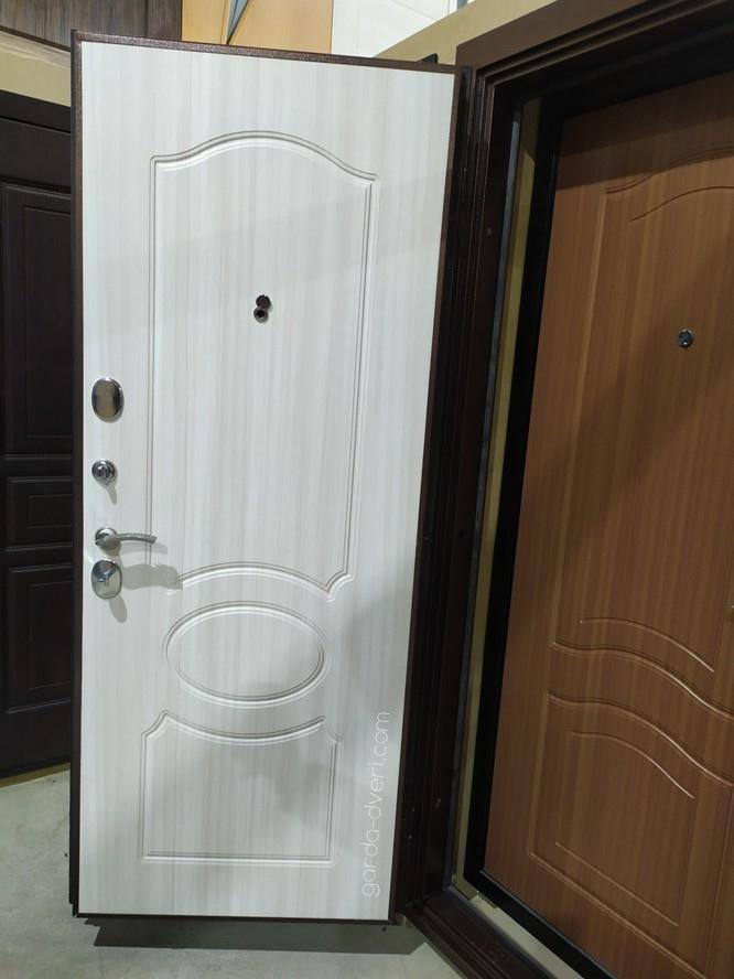 дверь Гарда S1 внутренняя панель Белый дуб и Орех