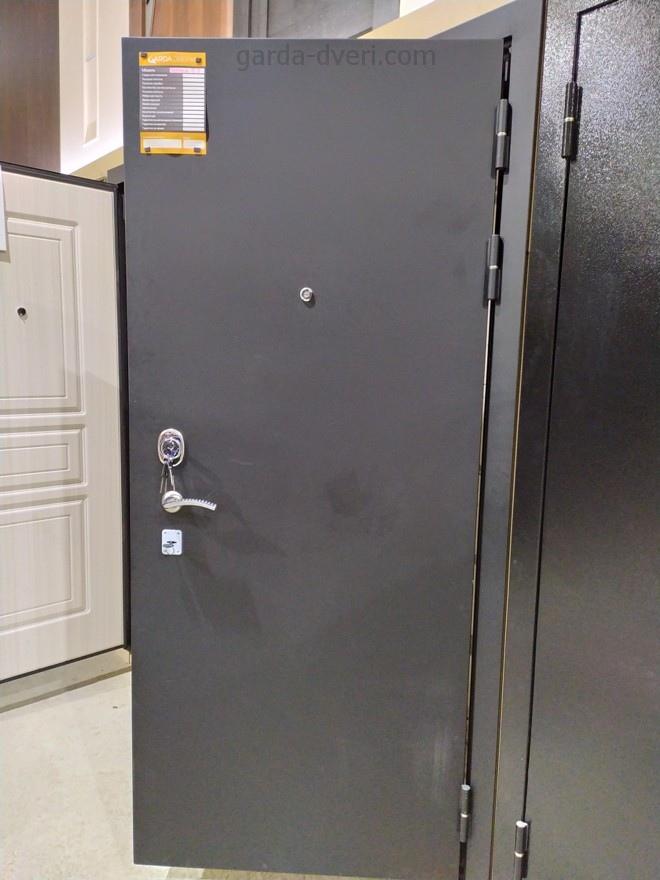 дверь Гарда S2 вид снаружи