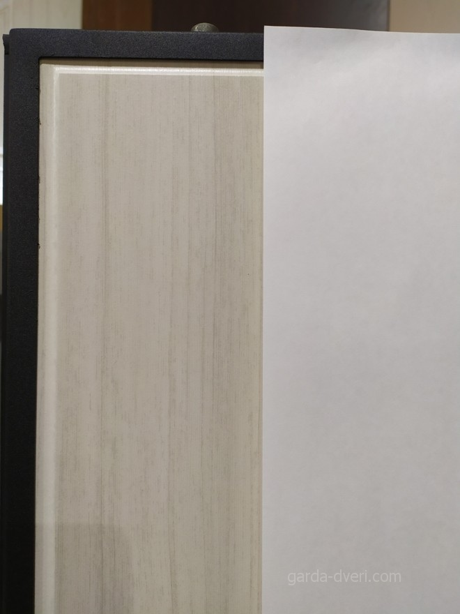 дверь Гарда S4 цвет панели в сравнении с листом А4