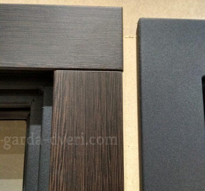 Слева наличник Гарда S5, справа наличник черный шелк
