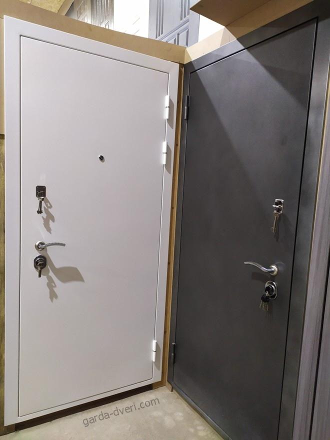 Дверь Гарда S12 в цветах Белый и Серый Антрацит