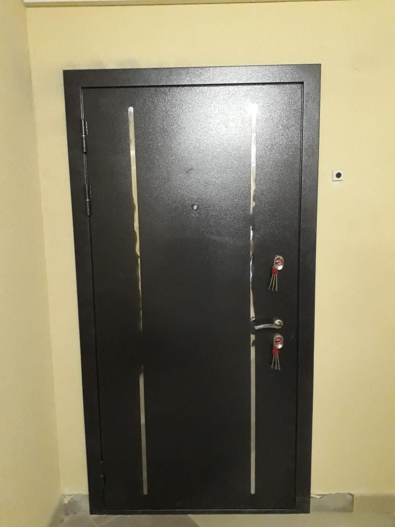 Двери Гарда Изотерма Черная установленная
