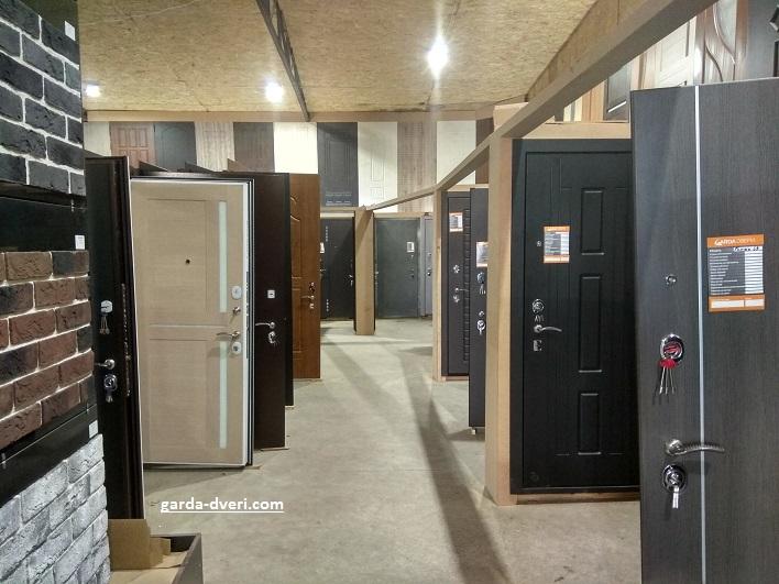Двери Гарда выставочный зал