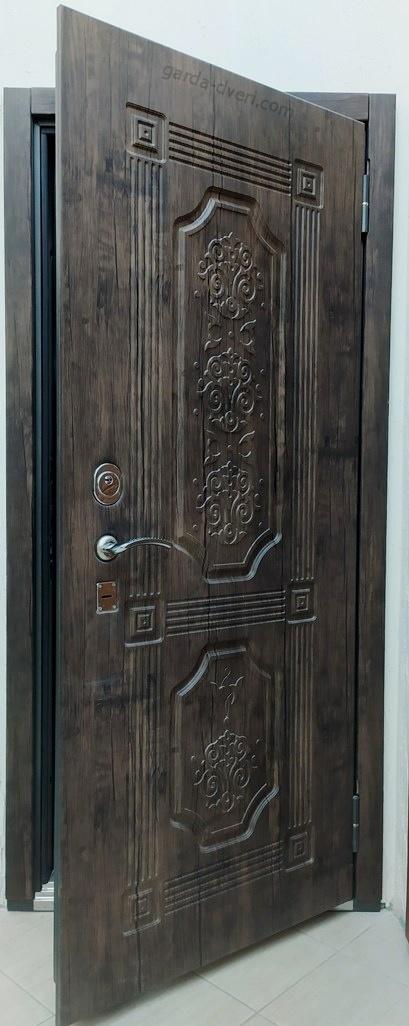 Двери Гарда S17 вид снаружи